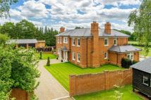 6 bedroom Detached property for sale in Finchampstead...