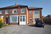 Ground Flat to rent in Moorland Road...