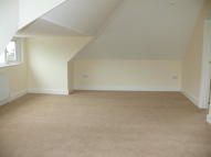 1 bed Studio apartment to rent in Woodside Green, London...