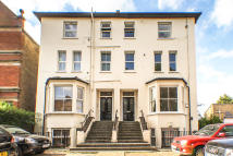1 bedroom Ground Flat for sale in Lower Addiscombe Road...