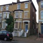 Flat to rent in Ramsden Road, London...