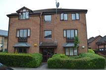 Flat to rent in Bowls Court, Coundon...