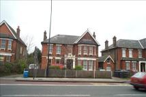 Flat to rent in Bromley Road, Catford...