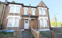 Flat to rent in Kinveachy Gardens...