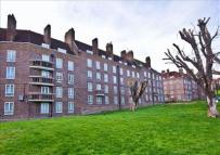 Studio apartment for sale in Gatcombe House...