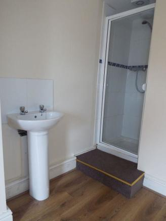 Shower area in...