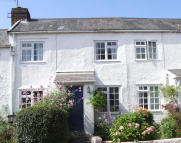 Terraced house to rent in High Street, Silverton...