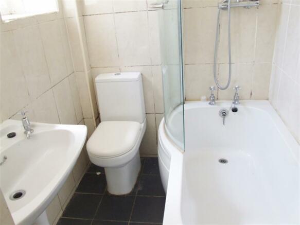 Bathroom Flat 2