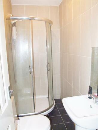 Shower Room Flat 3