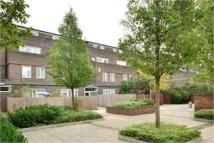 3 bed Flat in Coopers Lane...