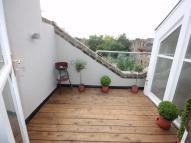 4 bed Terraced house in Wharfdale Road...
