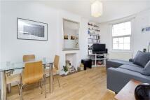 Flat to rent in Eversholt Street, Camden...