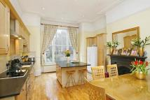 6 bed Maisonette in Priory Road...