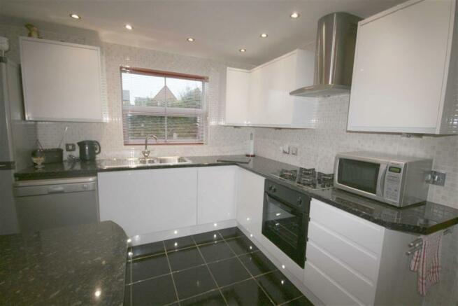 Superb Modern fitted Kitchen/Breakfast room