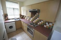 **MODERN KITCHEN + NEW CARPETS UPSTAIRS** Stockport Rd Terraced house to rent