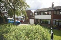 3 bedroom semi detached house in **MASSIVE GARDEN...