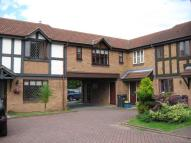 Flat to rent in Stratfield Place...