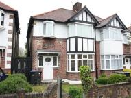 Flat to rent in Wynchgate, Southgate