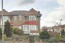 3 bed semi detached home to rent in Hampden Way, Southgate