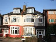 Flat to rent in Eversley Park Road...