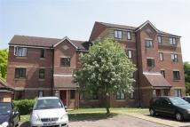 2 bedroom Flat in Cherry Blossom Close...