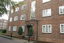 3 bed Flat in Manor Court, Southgate