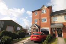 4 bed semi detached home to rent in Cross Street, Atherton...