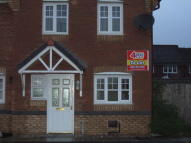3 bedroom semi detached house to rent in Madison Park...