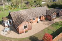 4 bed Detached property for sale in Cedar Grove, Bellingdon...