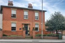 4 bed house in Victoria Street, Newark...