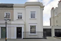 4 bed semi detached home in Park Terrace, The Park...