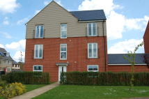 2 bed Ground Flat to rent in Sterling Way...