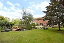 5 bedroom Detached property in Gasden Copse, Witley...