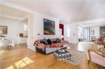 3 bed Terraced property in Strand on The Green...