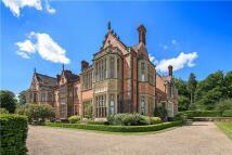 4 bedroom Flat for sale in Wyfold Court, Kingwood...