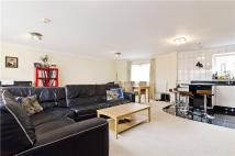 2 bedroom Flat in Globe View...