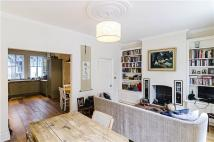 Flat for sale in Brushfield Street...