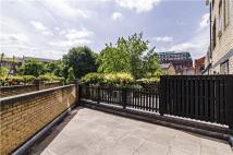 2 bedroom Flat in Hooper Street, London, E1