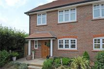 3 bed semi detached house in Farthings Walk...