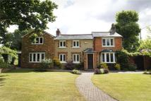 4 bed Detached house in Standford Hill...
