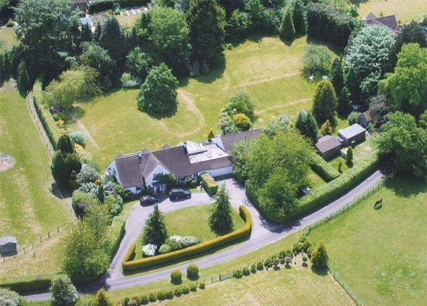 6 Bedroom Detached House For Sale In Ripsley Park Liphook