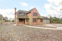 3 bedroom Detached home in Huntercombe Lane South...