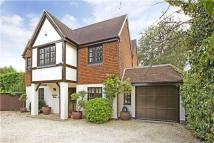 4 bedroom Detached house in Ray Mill Road East...