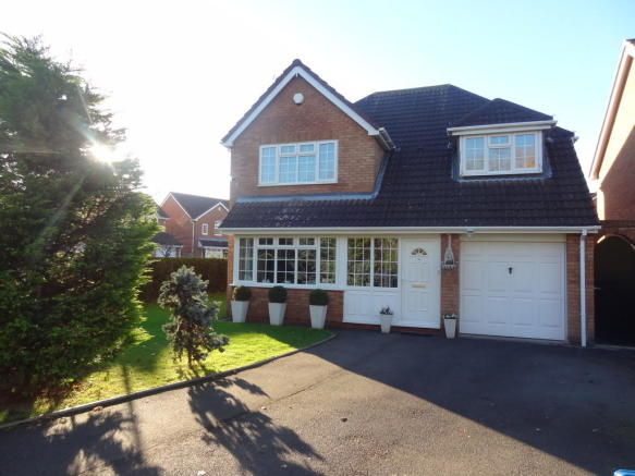 4 bedroom detached house for sale in kent avenue tamworth b78