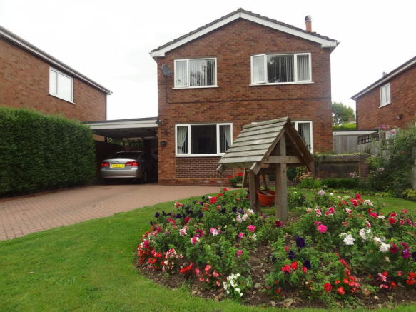 4 bedroom detached house for sale in athelstan way tamworth b79