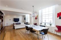 2 bedroom Flat in 8A Grafton Square...