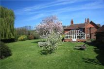 4 bed Detached property in Henley Road, Medmenham...