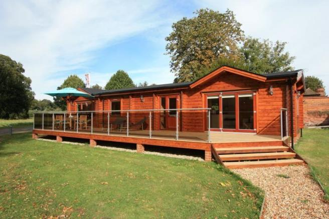 3 bedroom bungalow for sale in manor view harleyford for Marlow manor