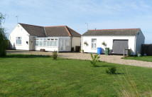 2 bed Bungalow for sale in Old Leake  LINCOLNSHIRE