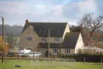 4 bed property in Royal Wootton Bassett ...